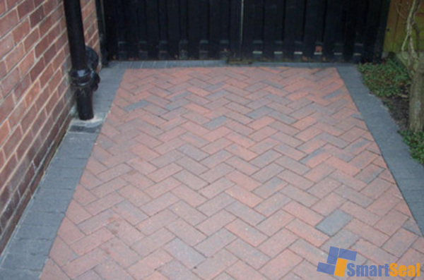 Sealed area of block paving
